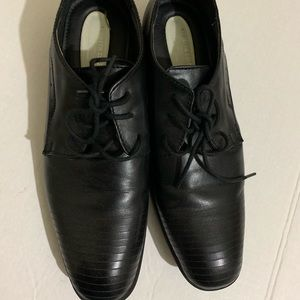 Kenneth Cole Black Leather Shoes Boys 6.5